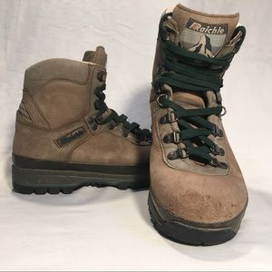Vintage Raichle womens sz 8 mountaineer boots